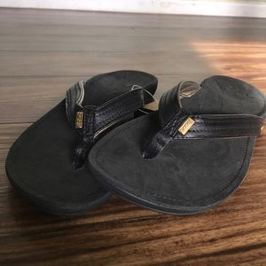 Reef Shoes - NWT Miss J-Bay Reef leather sandals