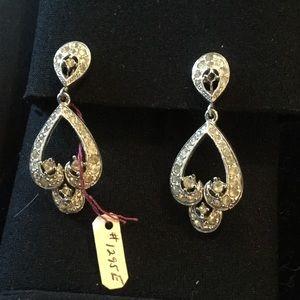Weise Jewelry - Vintage unsigned Weise chandelier drop earrings
