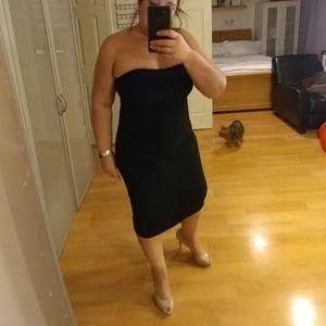 Banana Republic Dresses & Skirts - Strapless black dress
