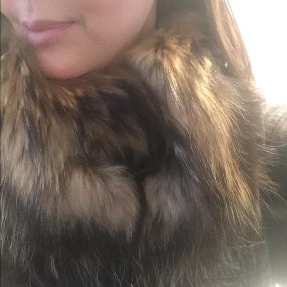 Gucci Accessories - GUCCI REAL FUR COLLAR W LEATHER CLOSURE! Luxe! ⭐️