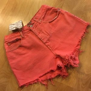 Pants - VINTAGE the Limited coral high waisted cutoffs