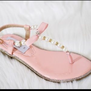 Other - Girls Pearl thong sandals w gold/clear rhinestones