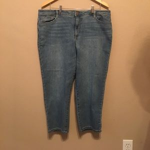 Women's Bandolino Denim Capris on Poshmark