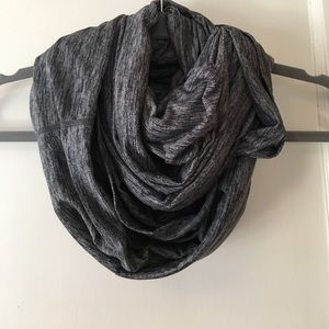 apana Accessories - Athletic infinity scarf!