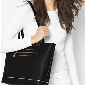 Michael Kors Handbags - Michael Kors 💋authentic