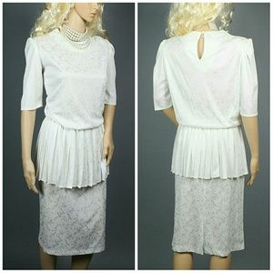 Vintage Dresses & Skirts - Vintage Ivory Print Dress
