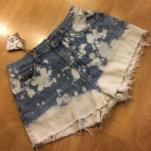 Pants - VINTAGE Riders bleached high waisted cutoffs