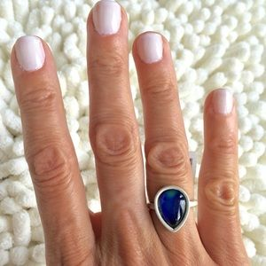 Jewelry - GORGEOUS DROP MOOD RING