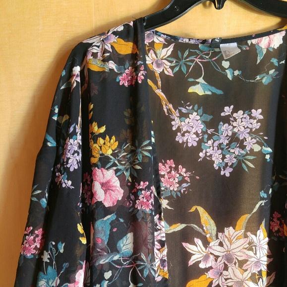 8aab73af1 H&M Tops | Hm Divided Black Floral Sheer Kimono Cardigan | Poshmark