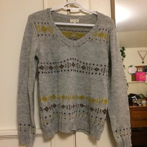 soeur Sweaters - Soft knit V neck sweater with pattern