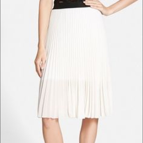 Topshop Dresses & Skirts - White Leith skirt size M