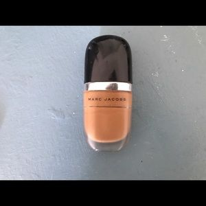 Marc Jacob foundation in the color Cocoa medium..