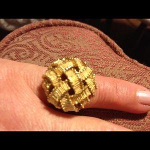 Jewelry - Goldtone Statement Ring