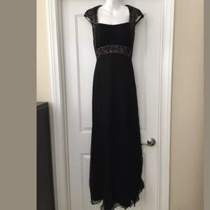 Tadashi collection black/nude beaded gown Sz 6