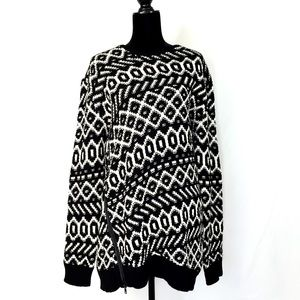 NWOT Ann Taylor Blk/Wht Graphic Zip Sweater Tunic