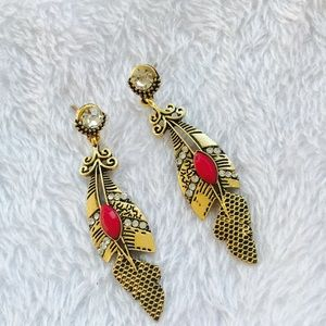 ❤Gold with red post earrings