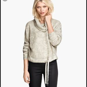 H&M Sweaters - H&M sweater