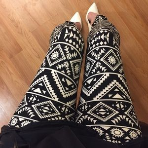 Pants - •new• Black Aztec Print Brushed Ankle Leggings