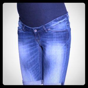 H&m mama Bermuda maternity shorts size 6
