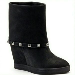Jennifer Lopez Shoes - 💋NWT Jlo Jennifer Lopez black wedge booties