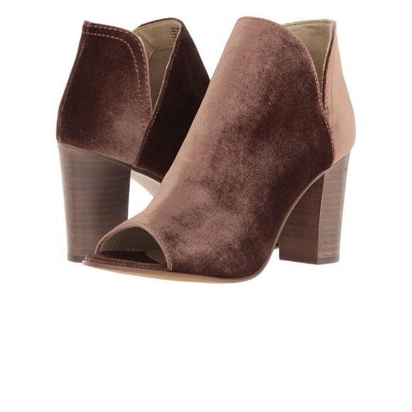 Heels Steve Madden Boots 9.5 Kaitt Velvet Peep Toe Slip On Booties Taupe New