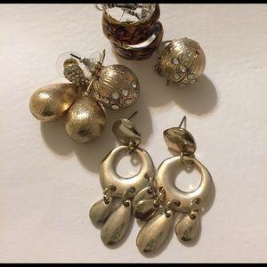 Jewelry - Lot of 4 pair of earrings