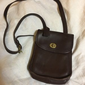 Vintage coach classic leather crossbody