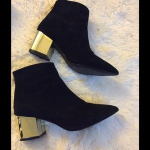 Steve Madden Black Pointed Toe  Ankle Booties