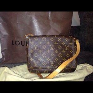 100% AUTHENTIC. Louis Vuitton Musette Tango