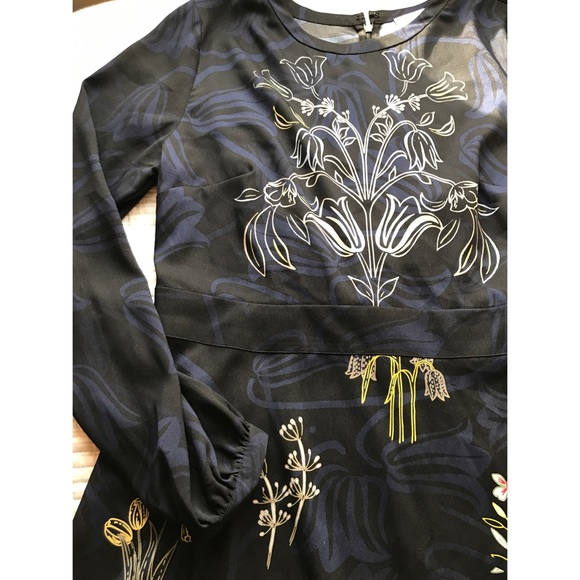 6bb7795e2 LOFT Dresses & Skirts - LOFT Valley Floral Flare Dress