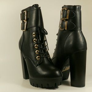 Shoes - BLACK CHUNKY HEEL ANKLE BOOTIES