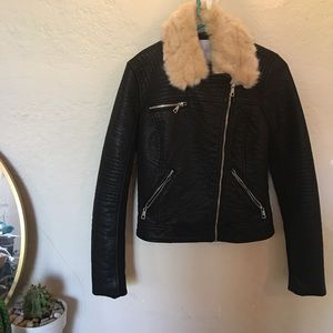 Zara Fur Collar Leather Jscket