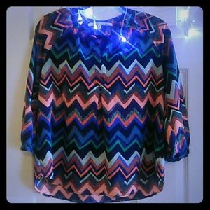 Collective Concepts Tops - Beautiful Chevron print with free necklace!