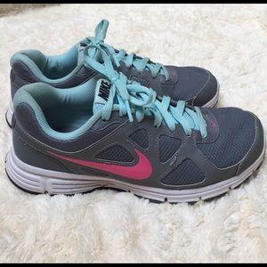 Nike Shoes - Nike athletic shoes