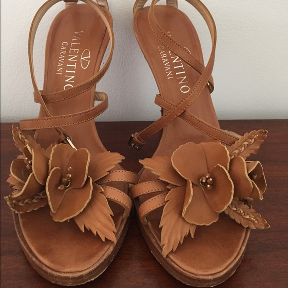 Valentino Garavani Shoes - VALENTINO LEATHER FLOWER tie up shoes!