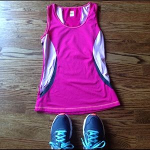 Lucy Tops - Lucy Tank size XS
