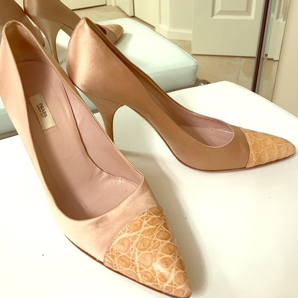 94 off prada shoes sale prada heels sz 9 from kathryn 39 s closet on poshmark. Black Bedroom Furniture Sets. Home Design Ideas