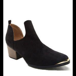 shoeroom21 boutique Shoes - Ladies Black suede  Steel toe cowboy booties. NIB