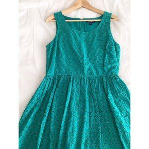 Old Navy Dresses & Skirts - 🆑Crochet shell bouffant spring dress