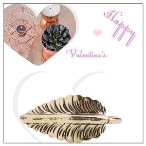 Jewelry - ✨Zad Leaf Cuff✨