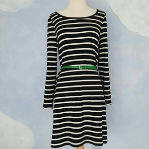 {Old Navy} Black and White Striped Dress