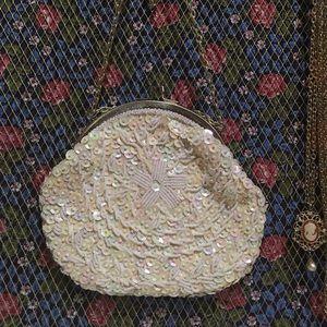 Vintage Handbags - 50's vintage sequin beaded clutch