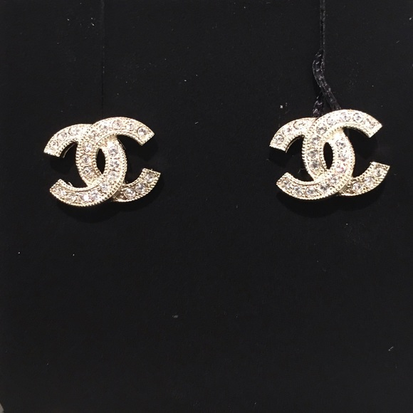 chanel jewelry classic stud crystal earrings in light