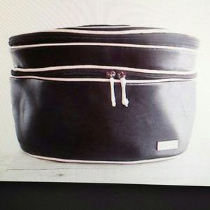 Mary Kay Handbags - Mary Kay Oval Travel Train Case