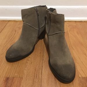 *LAST CHANCE* Steve Madden Suede Leather Boots