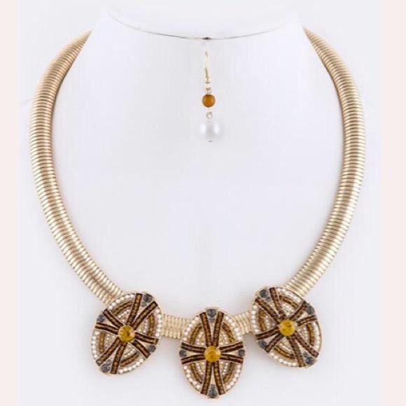Jewelry - Beaded Ornate Snake Necklace Set