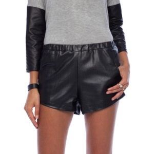 Ladakh Pants - Perforated leather shorts