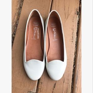 Jeffrey Campbell Shoes - Jeffrey Campbell White Mention flats