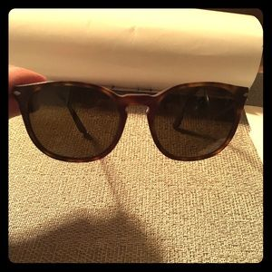 Persol Accessories - Tortoise Persol Sunglasses excellent condition