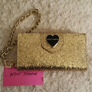 Betsey Johnson Handbags - Betsy Johnson NWT Gold Glitter Celly Wristlet